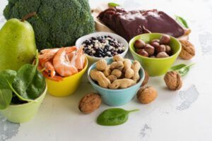 Quais São os Alimentos e Vitaminas Essenciais Durante a Gestação